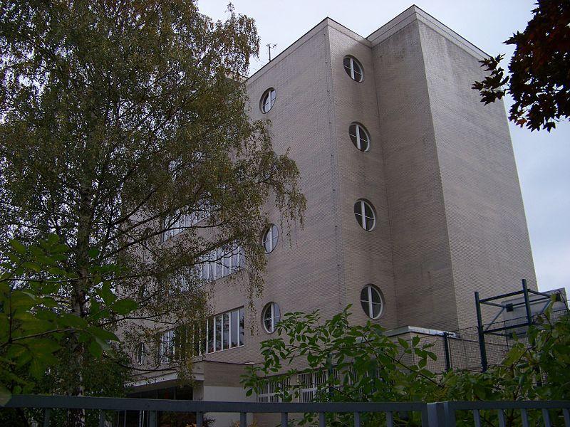U_libeňského_zámku,_gymnázium