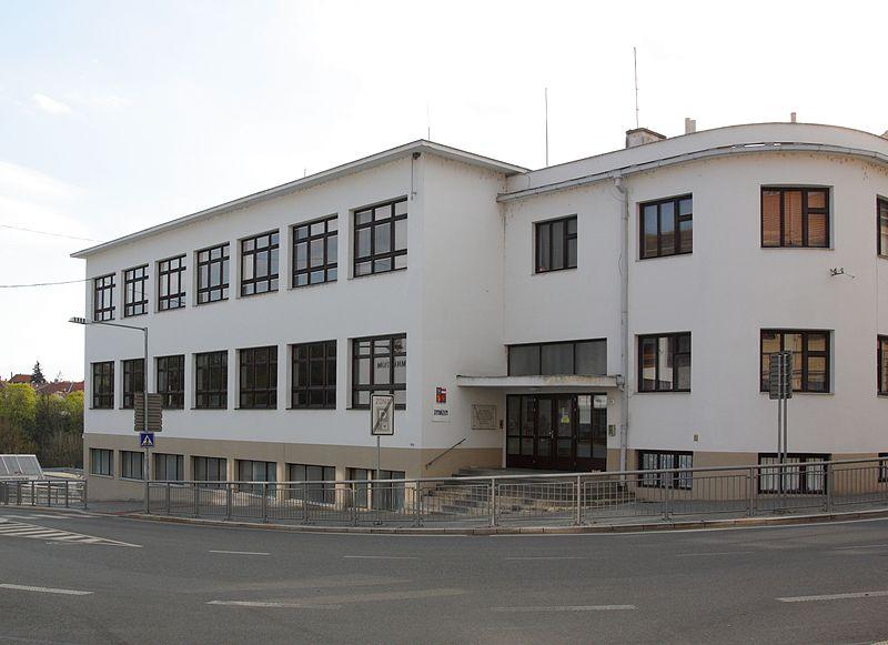 Moravský_Krumlov_-_gymnázium